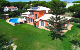 Villa Tenazinha III Beautiful luxury 4+1 bedroom villa with private pool